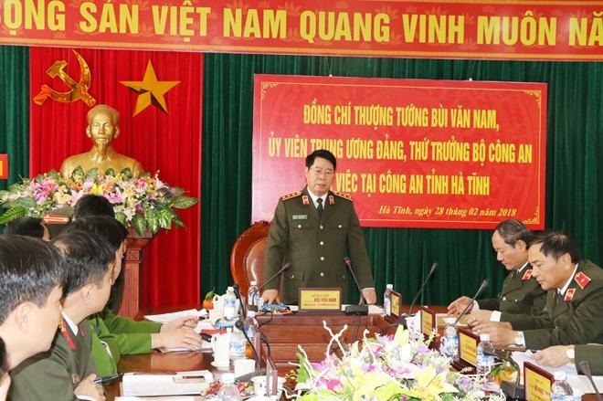 Thứ trưởng Bùi Văn Nam kiểm tra công tác tại Công an Hà Tĩnh