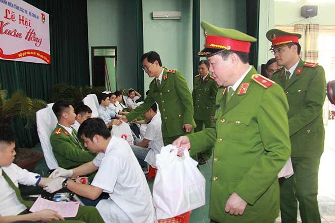 Đoàn Thanh niên Tổng cục VIII nhiều hoạt động ra quân Tháng Thanh  niên - Ảnh minh hoạ 3