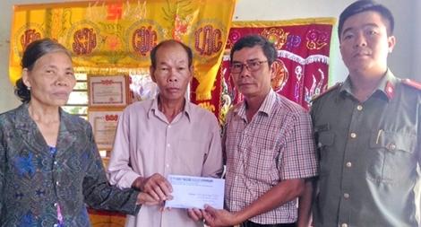 Báo CAND thăm, tặng quà gia đình hiệp sĩ ở đất võ Bình Định