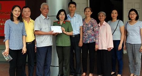 Trường Mẫu (Hà Nội) ủng hộ bà con vùng lũ hơn 90 triệu đồng