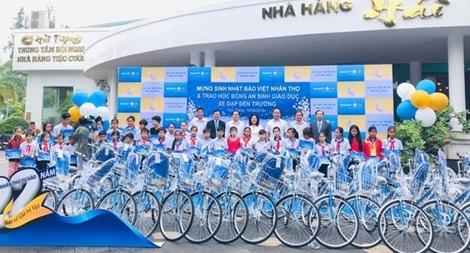 Trao tặng 50 xe đạp và 50 ba lô cho trẻ em hiếu học tại Tỉnh Sóc Trăng