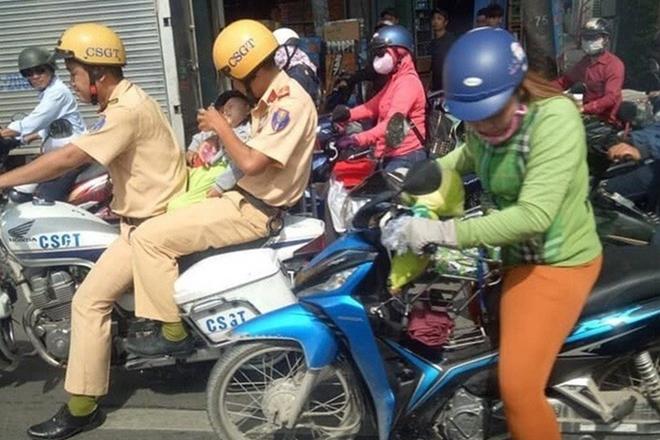 Những việc làm bình dị mà cao quý của cảnh sát giao thông - Ảnh minh hoạ 3