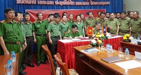 Tỉnh Quảng Bình và Khăm Muộn (Lào) tăng cường hợp tác bảo đảm ANTT