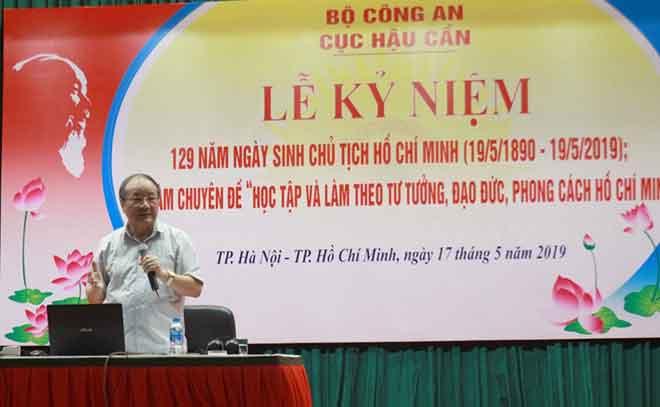 """Tọa đàm """"Học tập làm theo tư tưởng, đạo đức và phong cách Hồ Chí Minh"""""""