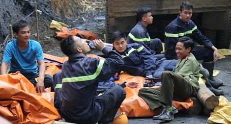 Những chiến sĩ quên mình cứu người trong hoạn nạn