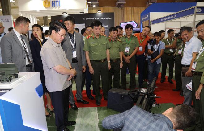 Thứ trưởng Bùi Văn Nam đánh giá cao DSE Việt Nam 2019 - Ảnh minh hoạ 2