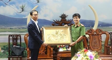 Đoàn đại biểu Hội đồng tỉnh Gyeonggi (Hàn Quốc) thăm, làm việc với Công an Nghệ An