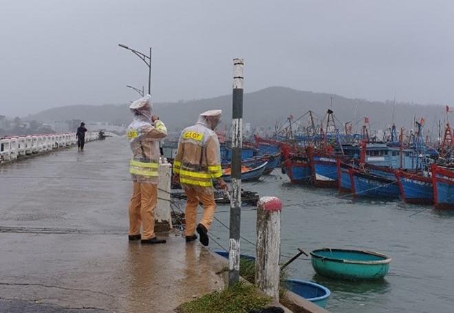 Công an Quảng Ngãi đảm bảo an toàn trước khi bão vào - Ảnh minh hoạ 2