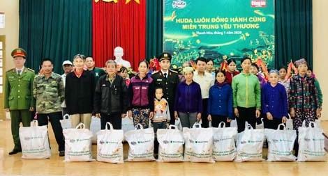 Trao quà tết cho đồng bào nghèo tại 5 huyện miền núi tỉnh Thanh Hóa