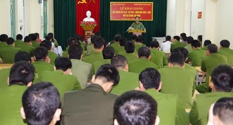 Khai giảng lớp Trung cấp lý luận chính trị cho lực lượng Công an cơ sở