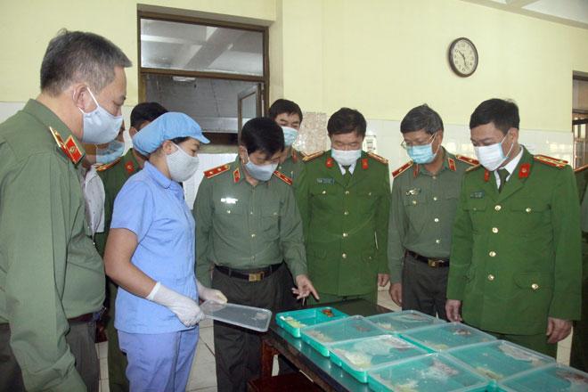 Bộ Công an chuẩn bị sẵn sàng cơ sở cách ly tập trung phòng chống dịch COVID-19 - Ảnh minh hoạ 6