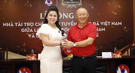 Chuyện của cà phê và bóng đá Việt