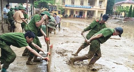 Lực lượng Công an chủ động ứng phó và khắc phục hậu quả mưa lũ