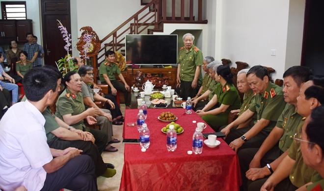 Ban Liên lạc Công an chi viện cho An ninh miền Nam tri ân tại Thanh Hoá