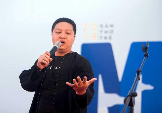 """Thiếu tá - nhà thơ Hoàng Anh Tuấn: """"Thơ là duyên, văn là nợ"""" - Ảnh minh hoạ 2"""