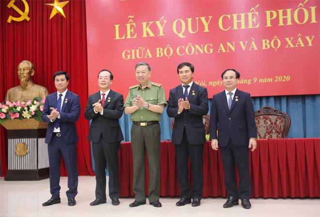 Bộ Công an và Bộ Xây dựng tăng cường phối hợp công tác - Ảnh minh hoạ 3