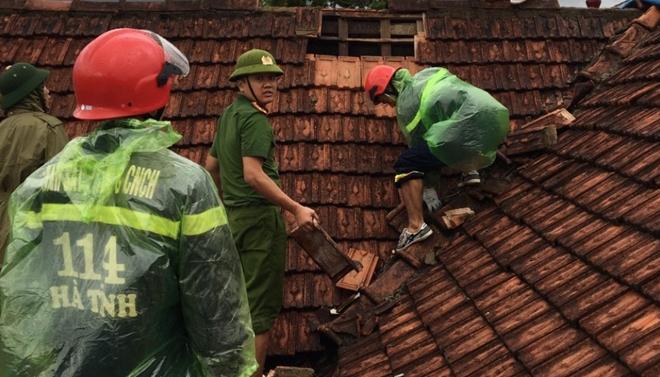 Tập trung giúp dân khắc phục hậu quả bão số 5 - Ảnh minh hoạ 3