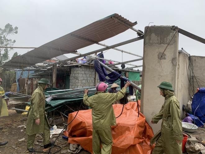Tập trung giúp dân khắc phục hậu quả bão số 5 - Ảnh minh hoạ 2