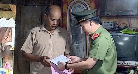 Hỗ trợ 50 triệu đồng cho thân nhân đồng chí Quàng Văn Xôm