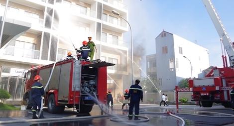 Diễn tập phương án chữa cháy, tìm kiếm cứu nạn, cứu hộ