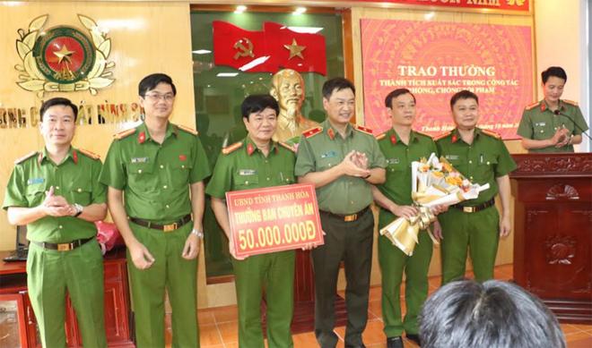 Khen thưởng các đơn vị khám phá trọng án tại Thanh Hóa