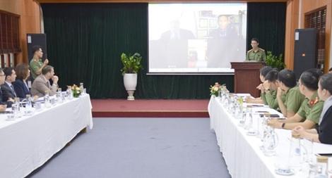 Tăng cường hỗ trợ nâng cao năng lực của lực lượng thực thi pháp luật Việt Nam