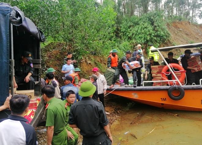 Thiết lập cầu đường thủy cứu nạn, cứu hộ tại thủy điện Rào Trăng 3