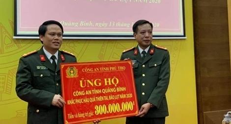 Chung tay ủng hộ tỉnh Quảng Bình khắc phục hậu quả do mưa lũ gây ra