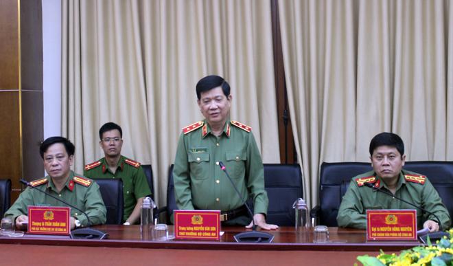 Thứ trưởng Nguyễn Văn Sơn kiểm tra công tác khắc phục hậu quả bão số 13
