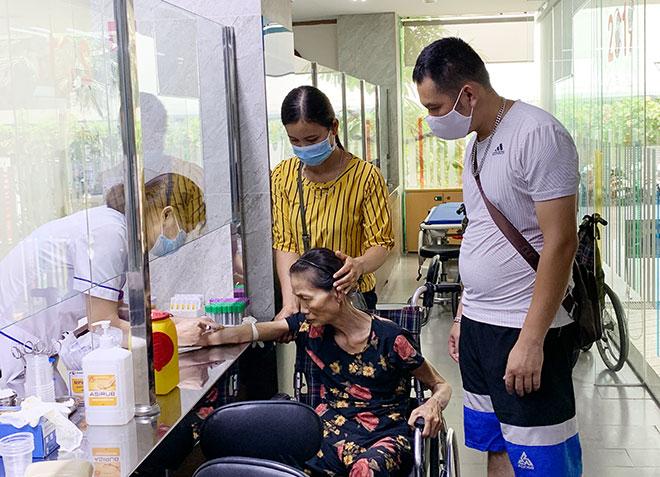 """Việt Nam sẽ thành quốc gia """"siêu già"""" vào năm 2050: Thách thức gánh nặng bệnh tật"""