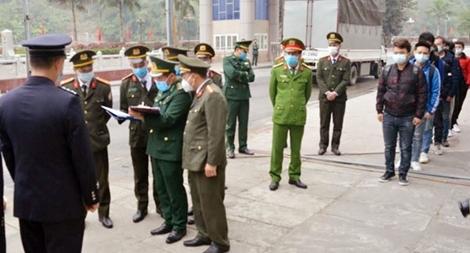 Trao trả 9 công dân Trung Quốc nhập cảnh trái phép