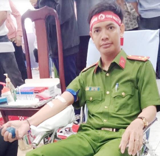 Thượng úy Công an 20 lần hiến máu tình nguyện