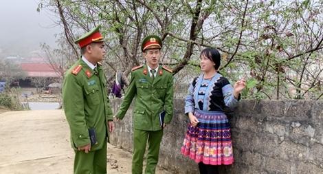 Mùa đào Lóng Luông