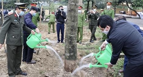 Công an Hà Tĩnh phát động Tết trồng cây xuân Tân Sửu 2021