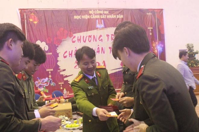 Tết cổ truyền ấm áp của học viên quốc tế tại các trường CAND - Ảnh minh hoạ 2