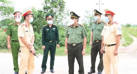 Đảm bảo ANTT tại các chốt phong toả chống dịch ở Hà Tĩnh