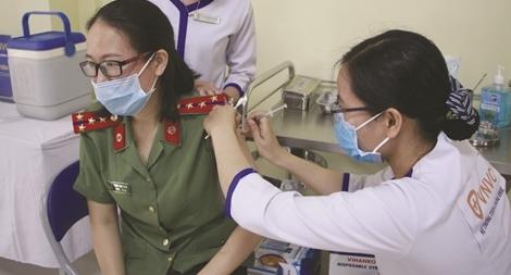 """Bệnh viện 199 """"chia lửa"""" cùng ngành Y tế Đà Nẵng"""