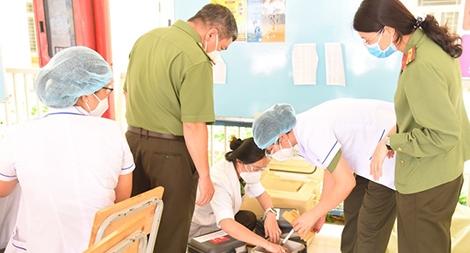 6 đội tiêm của Bệnh viện 30-4 tham gia chiến dịch tiêm phòng COVID-19
