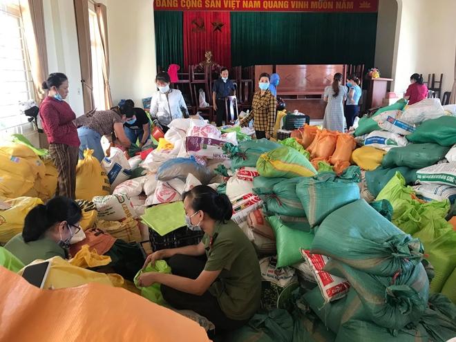 Quyên góp gần 30 tấn hàng giúp TP Hồ Chí Minh chống dịch