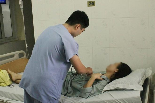 Bệnh nhân bị mảnh kim loại đâm thấu ngực đã xuất viện