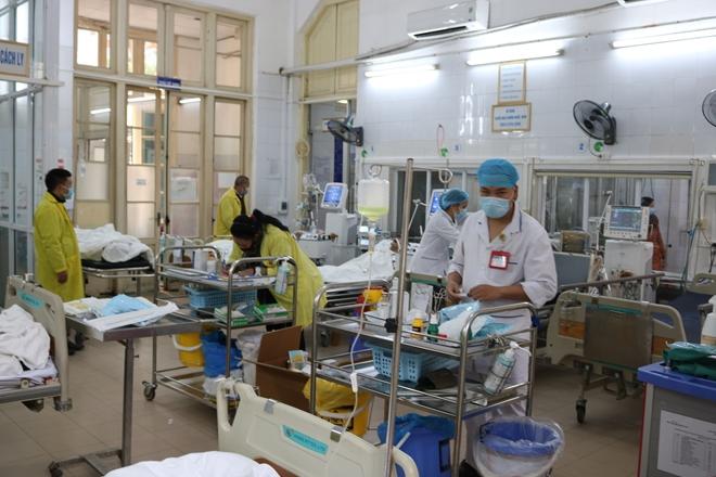 Trao hơn 1.400 suất quà cho bệnh nhân có hoàn cảnh khó khăn - Ảnh minh hoạ 3
