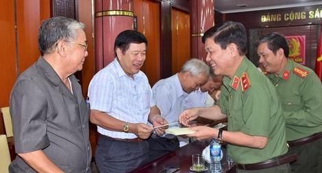 Thứ trưởng Nguyễn Văn Sơn gặp mặt cán bộ Công an hưu trí Đà Nẵng