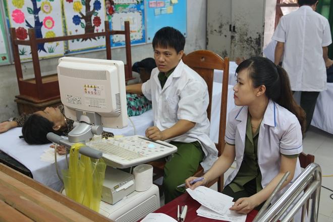Bệnh viện 199 khám và cấp phát thuốc cho người dân Hòa Phú - Ảnh minh hoạ 4