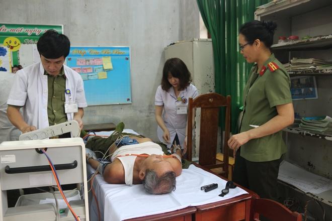 Bệnh viện 199 khám và cấp phát thuốc cho người dân Hòa Phú - Ảnh minh hoạ 5