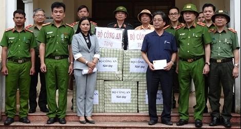 Thứ trưởng Lê Quốc Hùng đốc thúc công tác tìm kiếm nạn nhân mất tích ở Quảng Nam