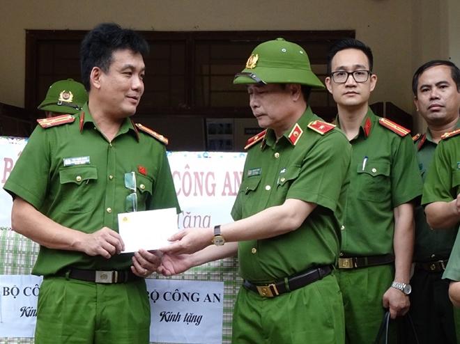 Thứ trưởng Lê Quốc Hùng đốc thúc công tác tìm kiếm nạn nhân mất tích ở Quảng Nam - Ảnh minh hoạ 4