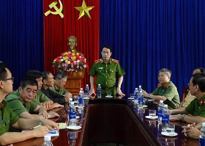 Thứ trưởng Lê Quốc Hùng đốc thúc công tác tìm kiếm nạn nhân mất tích ở Quảng Nam - Ảnh minh hoạ 6
