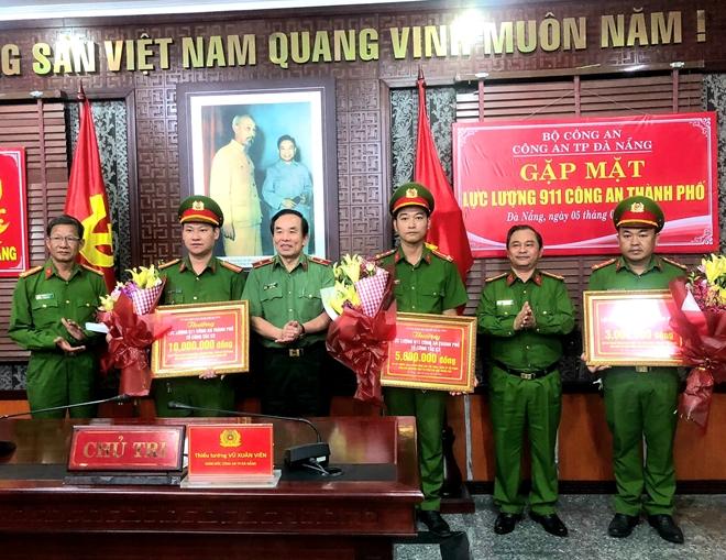 Giám đốc Công an Đà Nẵng biểu dương, khen thưởng lực lượng 911