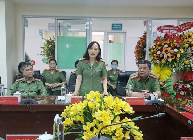 Thứ trưởng Nguyễn Văn Sơn chúc mừng Ngày Thầy thuốc Việt Nam tại Bệnh viện 199 - Ảnh minh hoạ 3