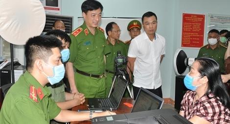 Nâng cao năng suất tiếp nhận, xử lý hồ sơ căn cước công dân